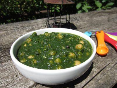 Chickpeas in Spinach Gravy